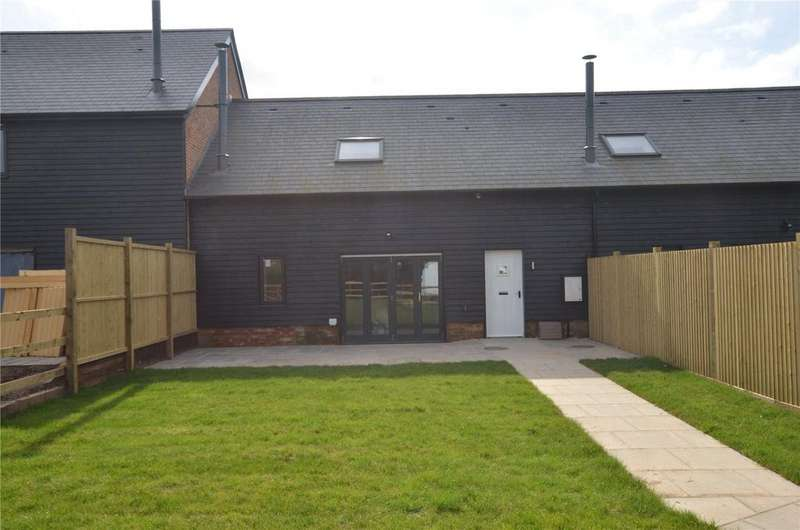 3 Bedrooms House for sale in Burcombe Barns, Wilton, Salisbury, SP2