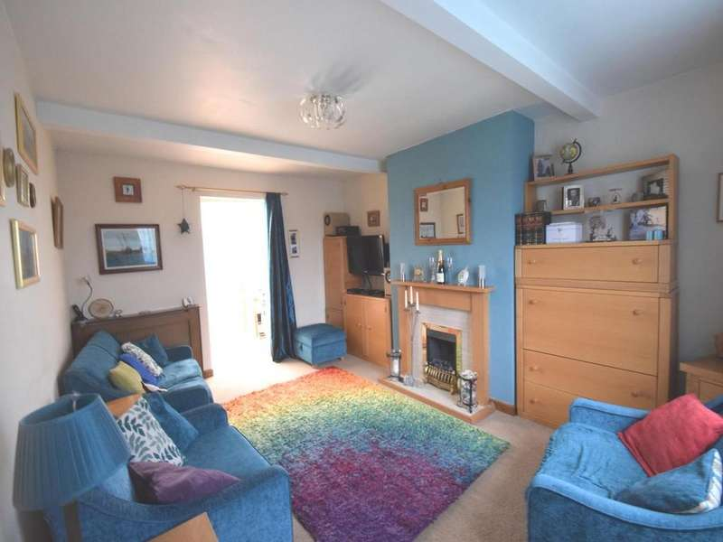 3 Bedrooms Semi Detached House for sale in Station Road, Felsted, Dunmow, Essex, CM6