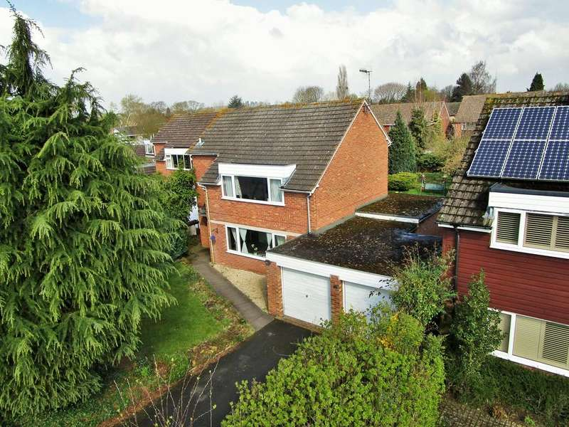 4 Bedrooms Detached House for sale in Manor Green, Stratford-upon-Avon