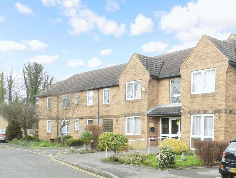 1 Bedroom Retirement Property for sale in Homefayre House, Fareham, PO16 0LU