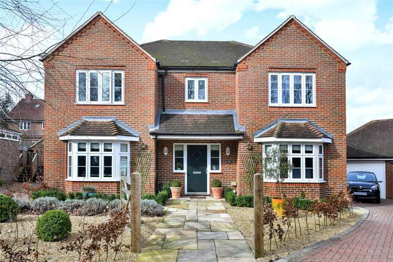 5 Bedrooms Detached House for sale in New Heritage Way, North Chailey