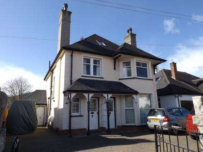 3 Bedrooms Maisonette Flat for sale in Allanson Road, Rhos On Sea, Colwyn Bay, Conwy, LL28