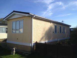 2 Bedrooms Bungalow for sale in The Marigolds, Shripney Road, Bognor Regis, West Sussex