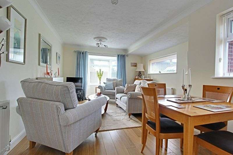 2 Bedrooms Detached Bungalow for sale in Old Road, Leconfield
