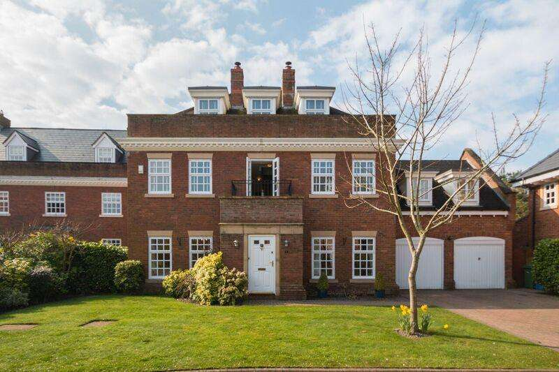 5 Bedrooms Property for sale in Broughton Close, GRAPPENHALL, Warrington, WA4