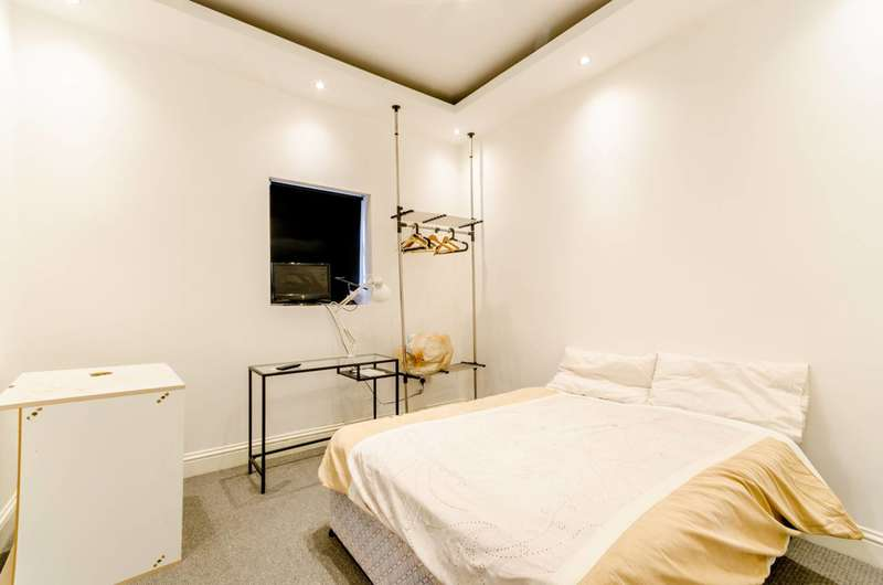 Studio Flat for sale in Stanger Road, South Norwood, SE25