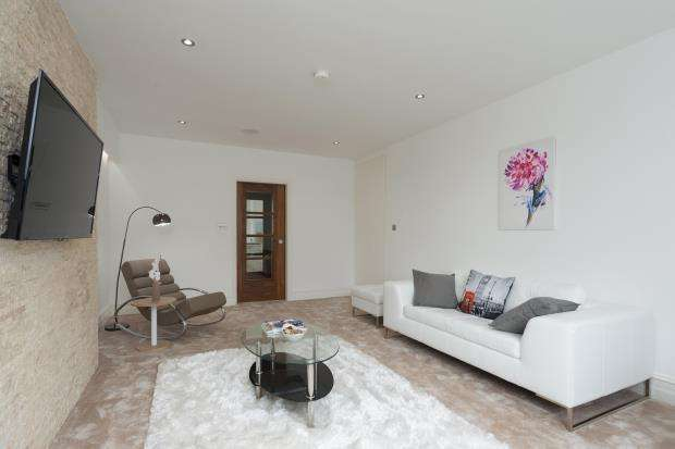 3 Bedrooms Flat for sale in Gloucester Terrace, Hyde Park, W2