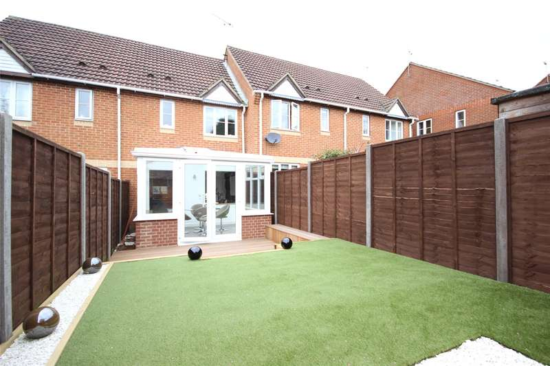 2 Bedrooms Terraced House for sale in Hazel Road, Four Marks, Alton, Hampshire, GU34