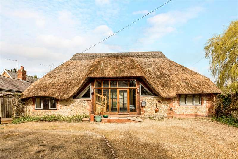 4 Bedrooms Detached House for sale in Shripney Lane, Bognor Regis, West Sussex, PO22