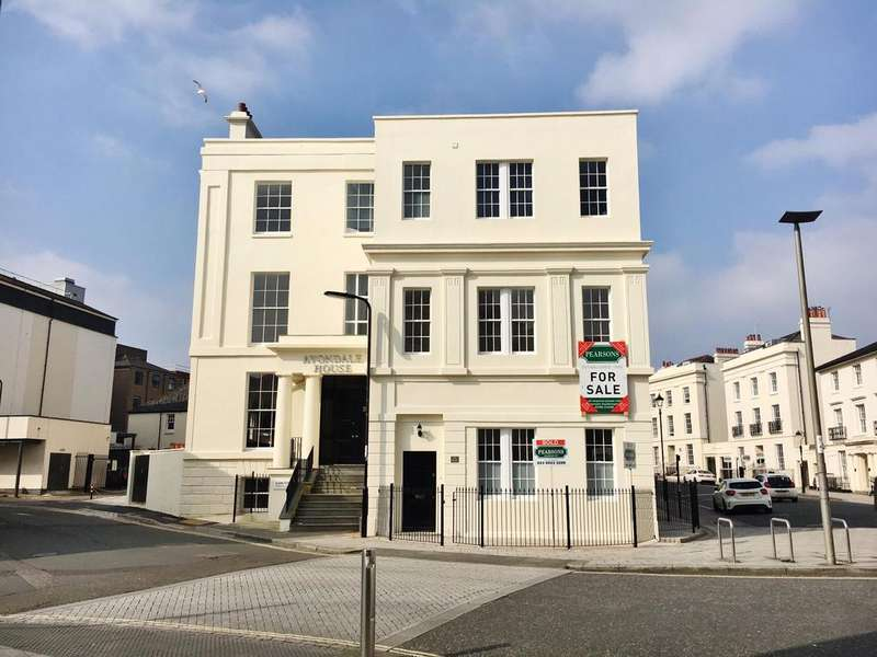2 Bedrooms Apartment Flat for sale in Carlton Crescent, Southampton