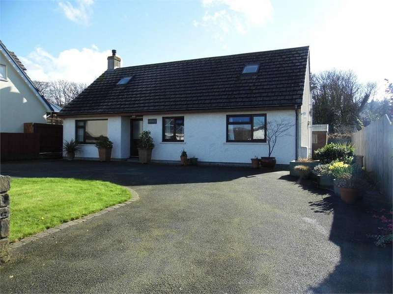 4 Bedrooms Detached Bungalow for sale in Pafin Bach, Carreg Coetan, Newport, Pembrokeshire