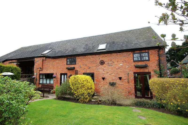 4 Bedrooms Barn Conversion Character Property for sale in Warton Lane, Austrey