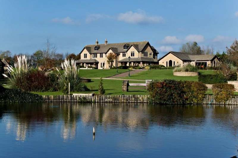 8 Bedrooms Detached House for sale in Ewenny Court, Ewenny, Vale Of Glamorgan, CF35 5AA