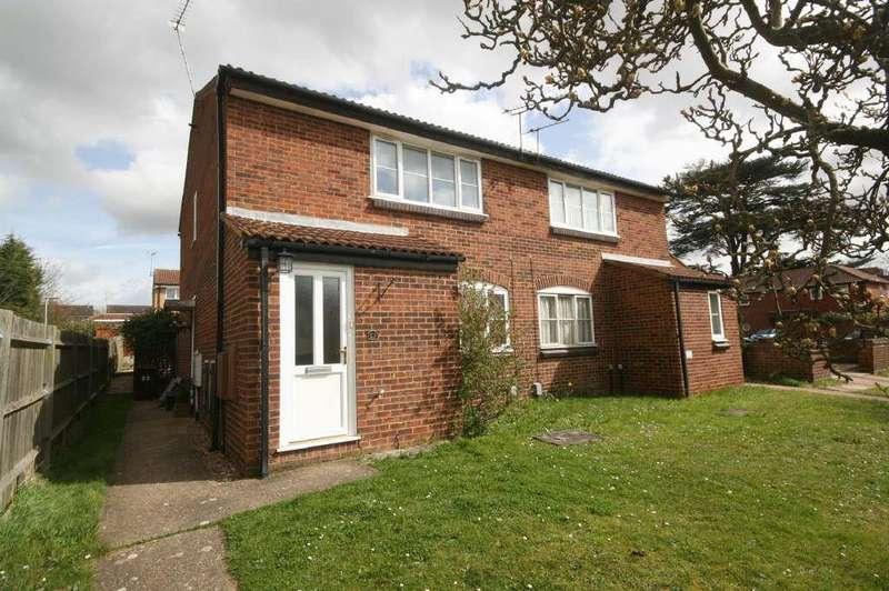 1 Bedroom Maisonette Flat for sale in The Brambles, Ware - with Private Garden
