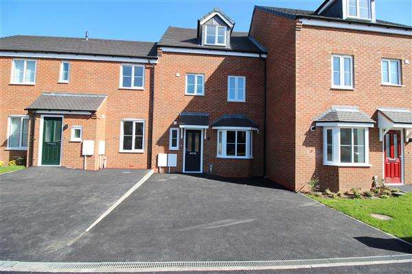 4 Bedrooms Terraced House for sale in Spring Lane, Pelsall