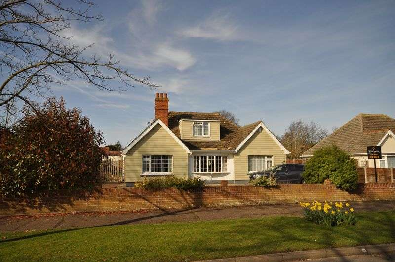 5 Bedrooms Detached House for sale in Seaview Avenue, West Mersea