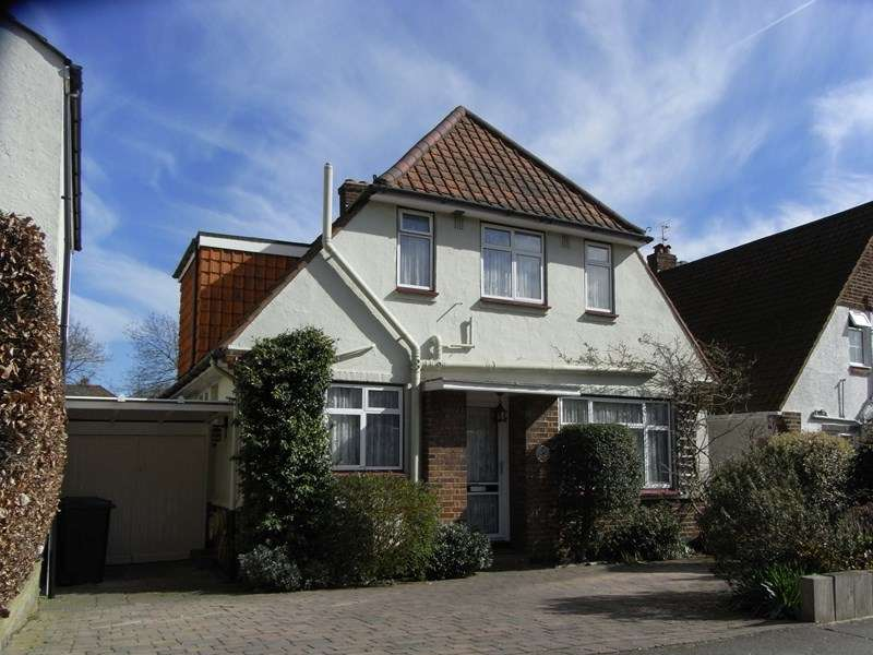 3 Bedrooms Detached House for sale in Manor Road, Barnet
