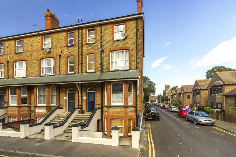 1 Bedroom Flat for sale in Ethelbert Square, Westgate-On-Sea