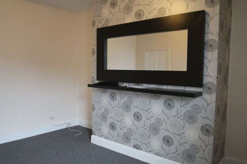 3 Bedrooms Flat for rent in Commercial Road, Newcastle Upon Tyne