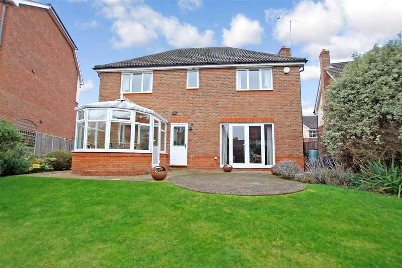 4 Bedrooms Detached House for sale in Barnock Close, Braeburn Park, Crayford