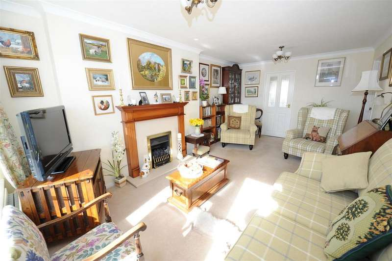 2 Bedrooms Semi Detached Bungalow for sale in Ronaldshay Drive, Richmond