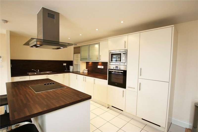 3 Bedrooms Flat for rent in Luscinia View, Napier Road, Reading, Berkshire, RG1