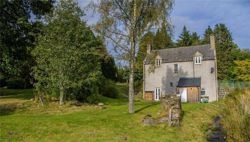 3 Bedrooms Unique Property for sale in Auchernach Lodge, Strathdon, Aberdeenshire, AB36