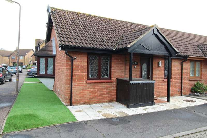 1 Bedroom Bungalow for sale in Petresfield Way, West Horndon, Brentwood, Essex, CM13