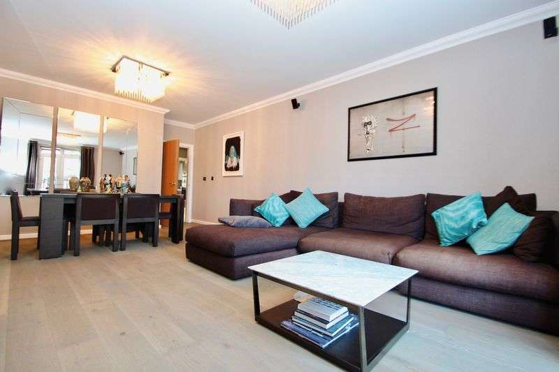 2 Bedrooms Flat for sale in Regents Drive, Woodford Green