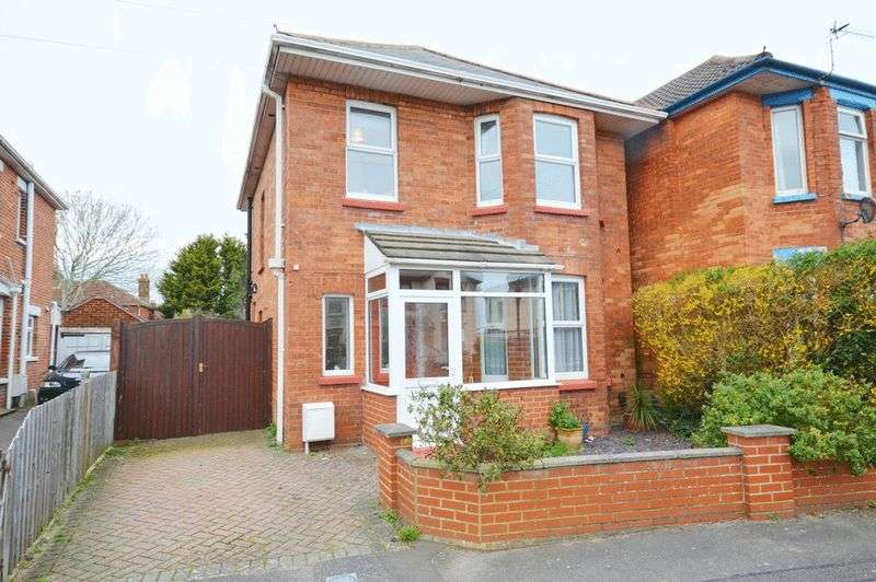3 Bedrooms Detached House for sale in Winton, Bournemouth BH9