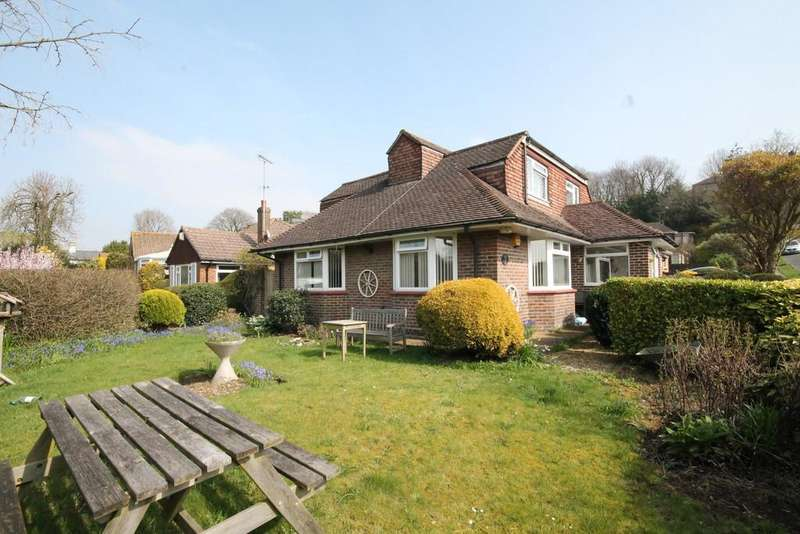 3 Bedrooms Detached Bungalow for sale in Grangeways, Brighton, BN1 8XN