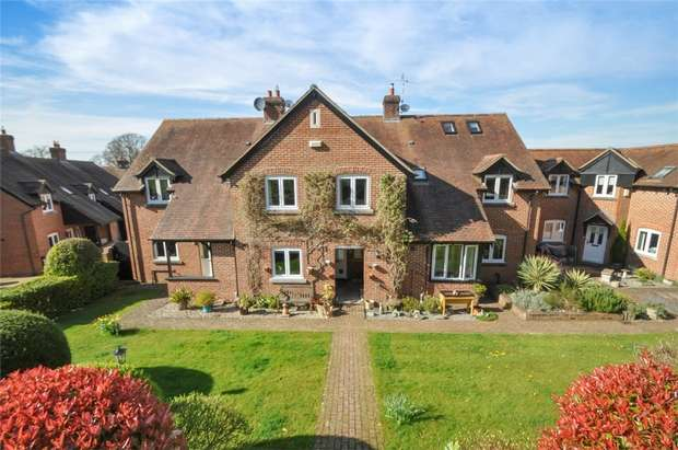 3 Bedrooms Terraced House for sale in Henbury House Gdns, S. Marshall, Dorset
