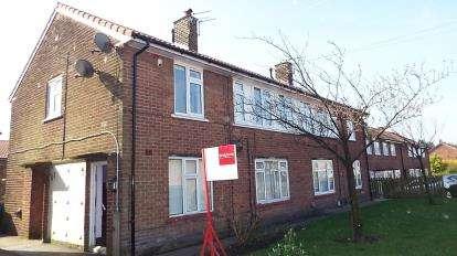 2 Bedrooms Maisonette Flat for sale in Springside Avenue, Worsley, Manchester, Greater Manchester