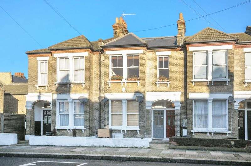 3 Bedrooms Flat for sale in Renmuir Street, Tooting