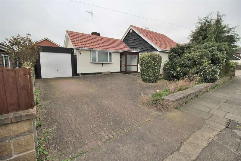 3 Bedrooms Bungalow for sale in Allison Gardens, Chilwell, Nottingham