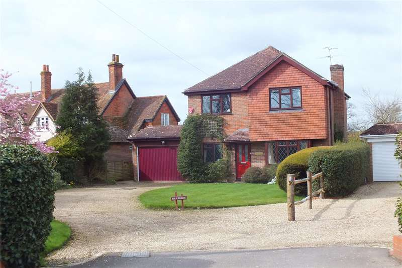 4 Bedrooms Detached House for sale in The Hurst, Winchfield, Hook, RG27