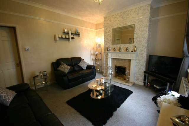 3 Bedrooms Terraced House for sale in Marlbrook Drive, Westhoughton, BL5