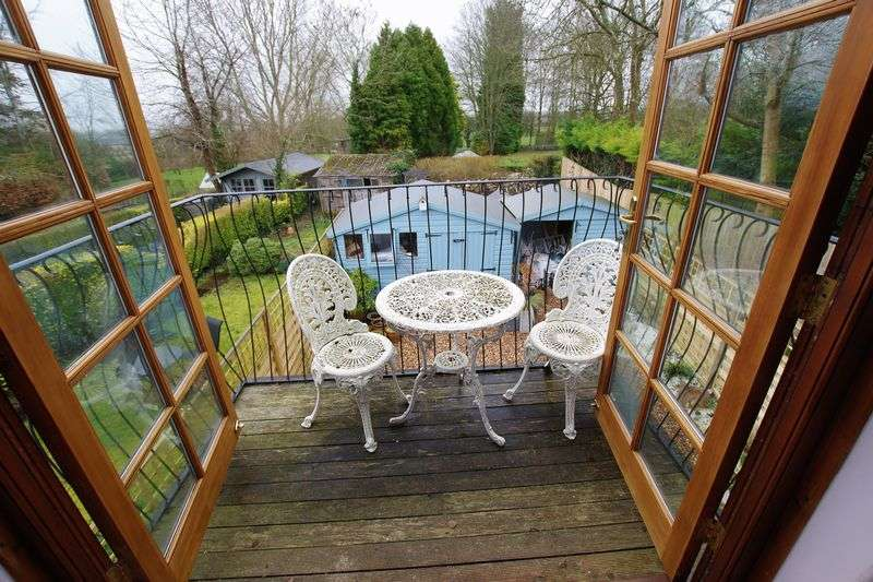 2 Bedrooms Semi Detached House for sale in Wanborough
