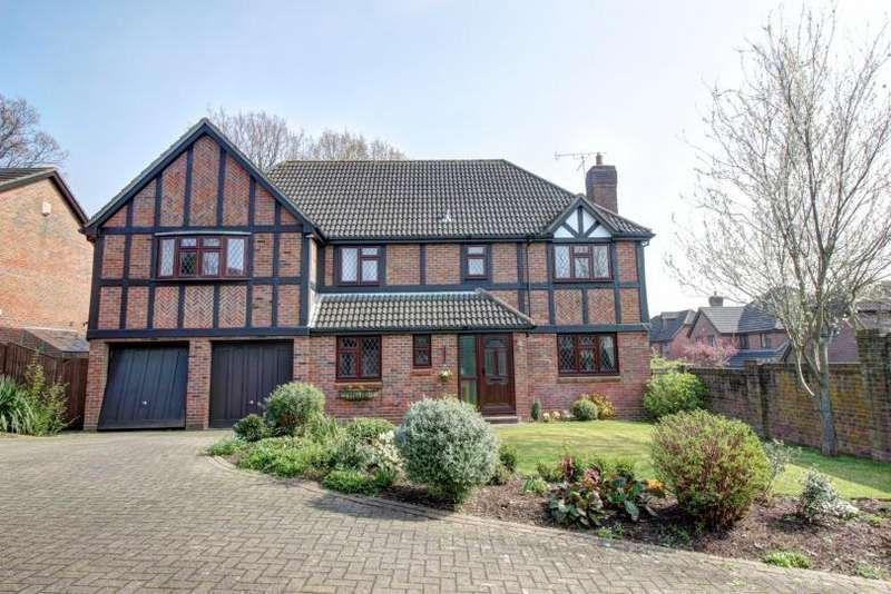 5 Bedrooms Detached House for sale in Guildford Drive, Valley Park, Chandlers Ford