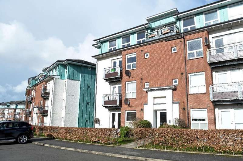2 Bedrooms Flat for sale in Strathblane Gardens, Flat 1/2, Anniesland, Glasgow, G13 1BF