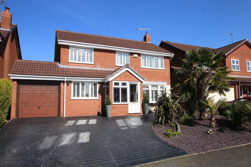 4 Bedrooms Detached House for sale in Clover Lane, Wall Heath, Kingswinford, DY6