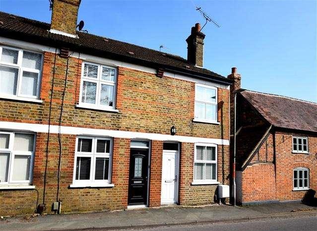 2 Bedrooms Terraced House for sale in Waterside, Kings Langley
