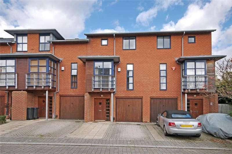 3 Bedrooms Terraced House for sale in Silchester Place, Hyde, Winchester, SO23