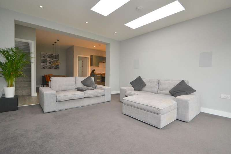 3 Bedrooms Semi Detached Bungalow for sale in Nalla Gardens, Chelmsford