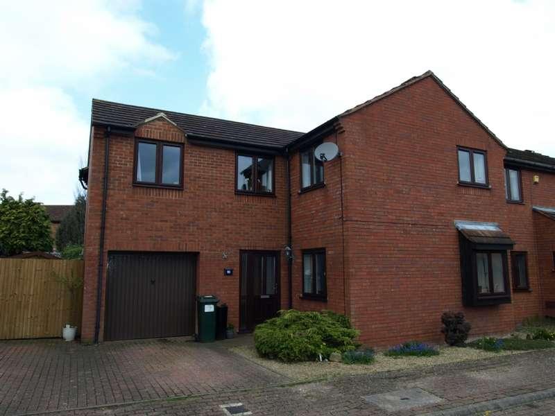 4 Bedrooms Semi Detached House for sale in Kimbolton Court, Giffard Park, Milton Keynes