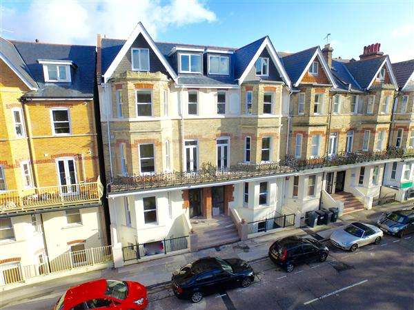1 Bedroom Flat for sale in Westhill Road, Bournemouth