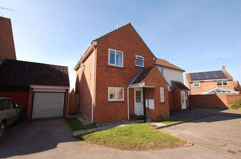 3 Bedrooms Semi Detached House for sale in Sauls Bridge Close, Witham