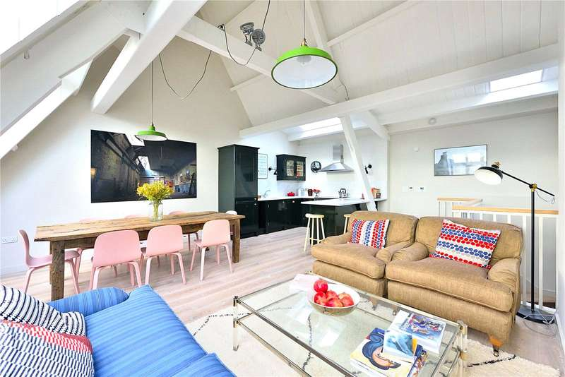 4 Bedrooms Flat for sale in Evering Road, London, N16