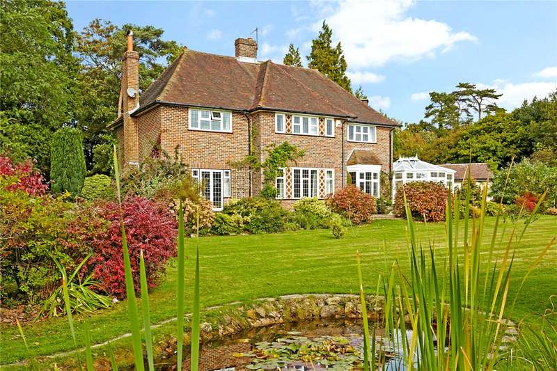 4 Bedrooms Detached House for sale in Pook Reed Lane, Heathfield, East Sussex, TN21