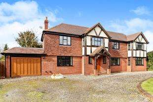 4 Bedrooms Detached House for sale in Hook Hill, Sanderstead, South Croydon, .